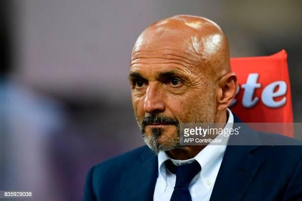 Inter Milan's Italian coach Luciano Spalletti looks on before the Italian Serie A football match Inter Milan vs Fiorentina at the San Siro stadium in...