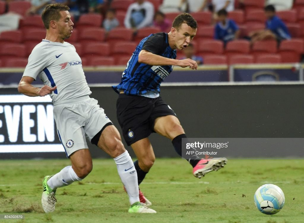 FBL-SIN-ASIA-CHELSEA-INTERMILAN : News Photo