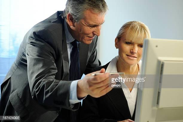 Gens d'affaires interagir