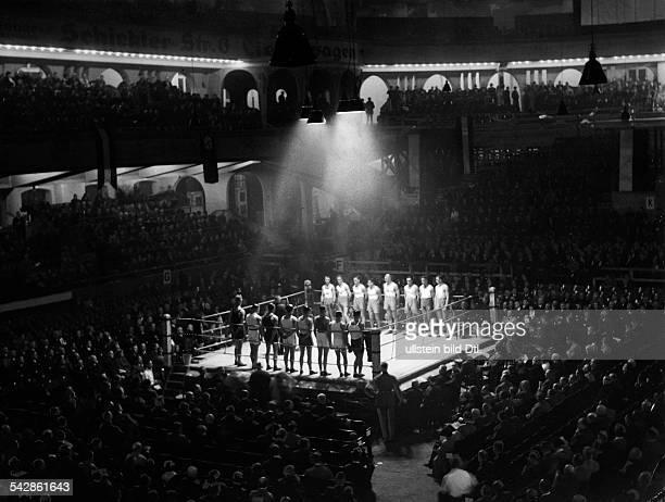 interantionales BoxTurnier der Polizeiim Sportpalast BerlinBeginn der Veranstaltung 1934 erschienen BZ 1934