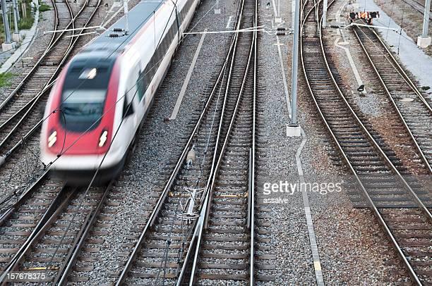 intercity-Zug vom Bahnhof