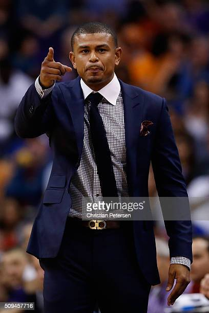 Interim head coach Earl Watson of the Phoenix Suns reacts during the second half of the NBA game against the Golden State Warriors at Talking Stick...
