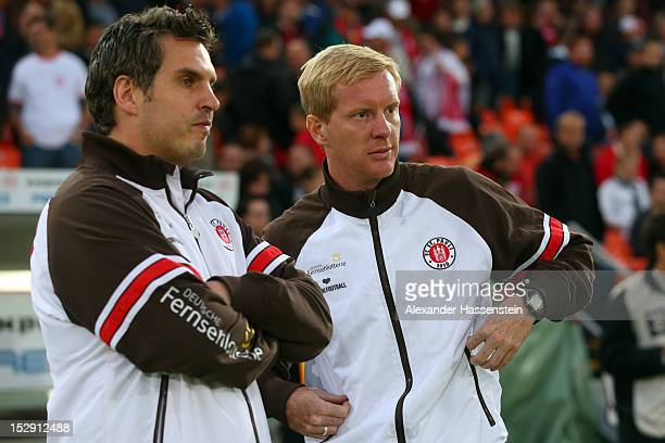 Interimscoach Thomas Meggle of St Pauli looks on with Timo Schultz during the Second Bundesliga match between Jahn Regensburg and FC St Pauli at...