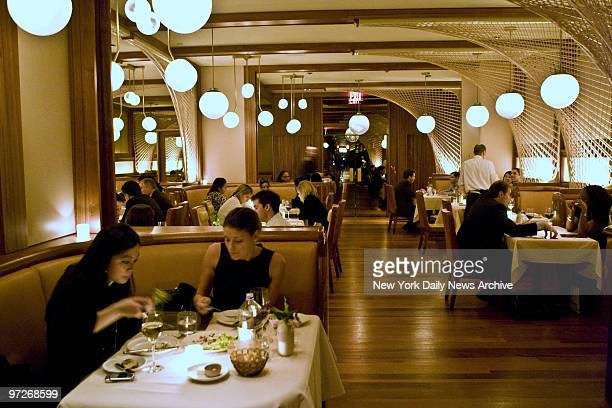 Interior and atmosphere of Brasserie 44 restaurant at 44 W 44th St in Manhattan