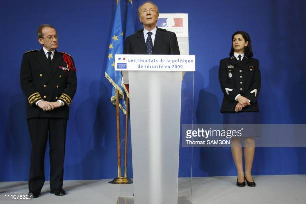 Interior Minister Brice Hortefeux presents his wishes to the press in Paris France on January 14th 2010 The Chief of the Police of Paris Michel...