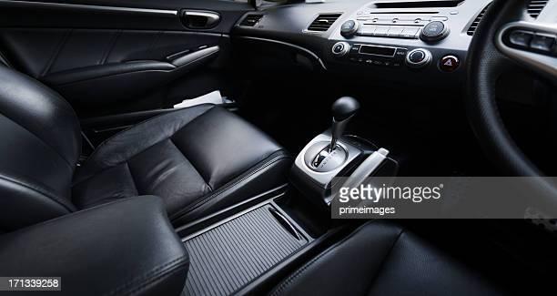 Intérieur d'une voiture moderne