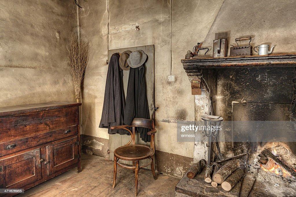 Interni Di Una Casa Di Campagna : Interno di una vecchia casa di campagna foto stock thinkstock