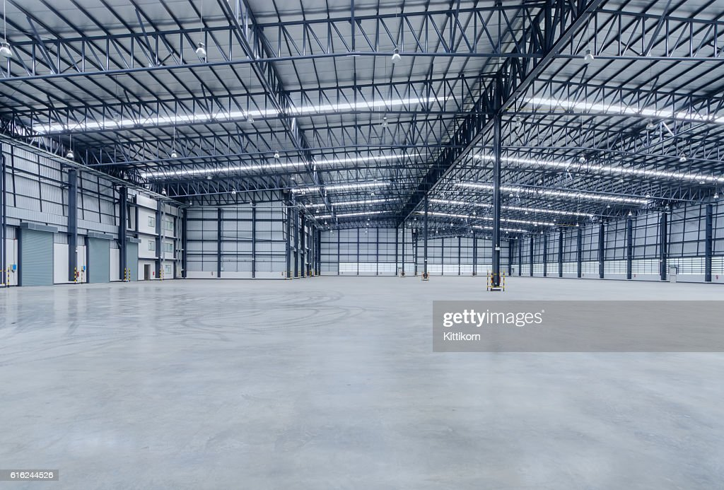 Interior of empty warehouse : Stock-Foto