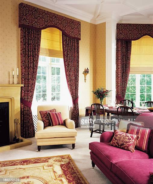 Klassizistisch stock fotos und bilder getty images for Innenausstattung wohnzimmer