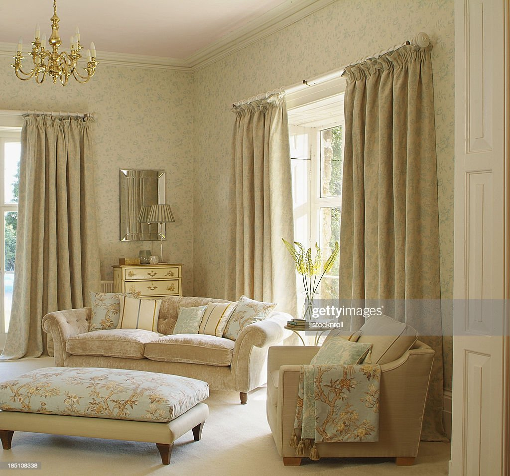 Interior of Traditional Livingroom / lounge : Stock Photo