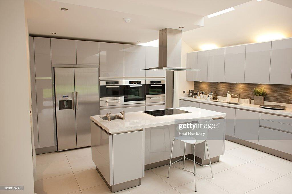 Interior of white, modern kitchen : Stock Photo
