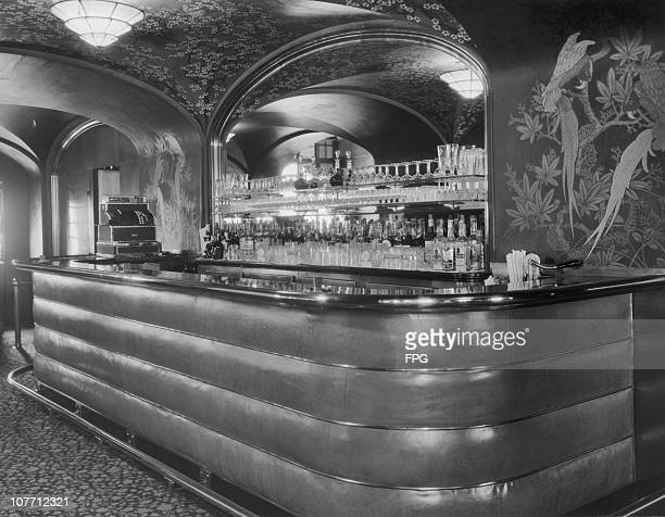 Interior view of the bar of the St Regis Hotel in New York City circa 1950