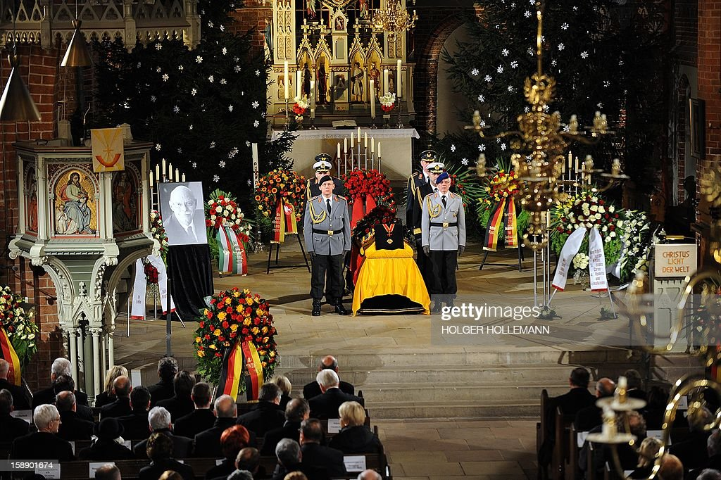 Interior view of the church during the funeral service for former German Defence Minister Peter Struck at Saint Mary's church in Uelzen, Germany, on January 3, 2013. Struck died on December 19 from the effects of a heart attack, aged 69. AFP PHOTO / POOL/ HOLGER HOLLEMANN