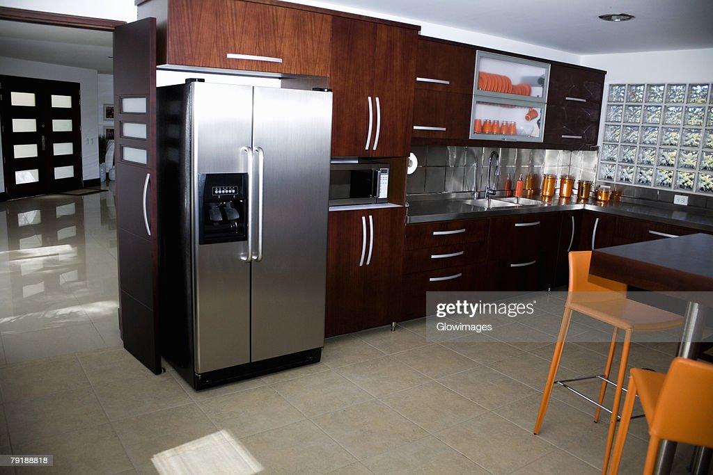 Interiors of a domestic kitchen : Stock Photo
