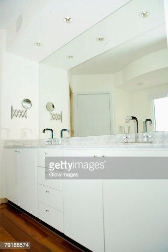 Interiors of a public restroom : Foto de stock