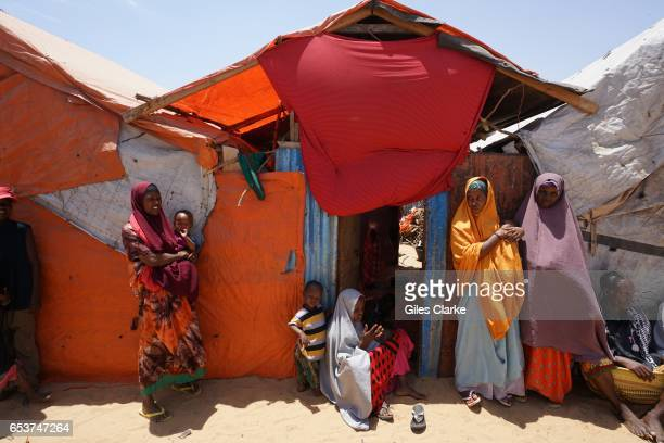 MOGADISHU SOMALIA MARCH Internally Displaced Persons at the 'KM13' camp on the outskirts of Mogadishu Many of these recentlyarrived people have...