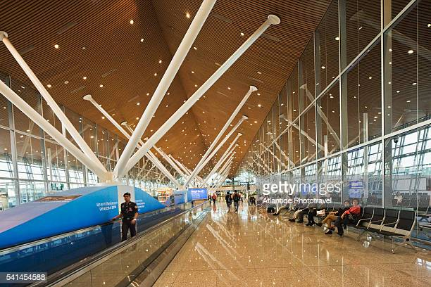 KL International airport, the interior