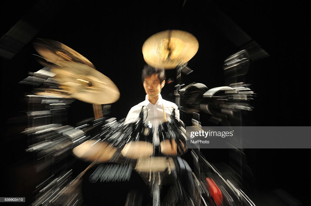 International Femurs Drum Master Akira Jimbo perform in Kolkata on 29 May 2016. The First Time India Visit, Akira Jimbo, also seen as Akira Jinbo is a Japanese freelance jazz fusion drummer who is famous for his drumming independence and fusion of electronic drum technology and acoustic drums.One aspect of Jimbo's drumming is the unique setup of drums. Using Yamaha drums and Zildjian cymbals, along with Yamaha electronic drum triggers, Jimbo is able to create an array of different sounds and styles from his drumset. Jimbo points out that his mounted toms are aligned perfectly so that no one drum is lower or higher than the other, a method he applies to the floor toms as well.