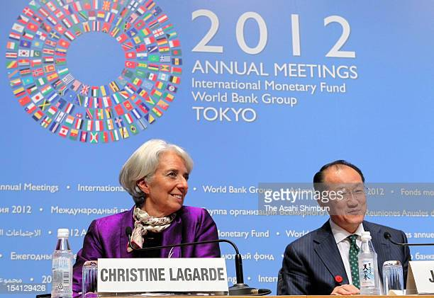 International Monetary Fund Managing Director Christine Lagarde and World Bank Group president Kim Jim Yong attend a press conference during the IMF...