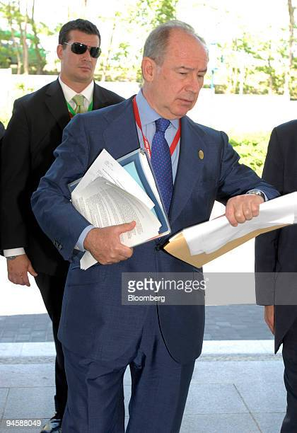 International Monetary Fund Managing Director Rodrigo de Rato arrives for the afternoon session of the Group of Eight finance ministers meeting at...