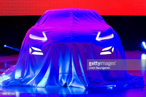 International Motor Show in Frankfurt What is hiding there Strained awaiting before the Nissan press conference Wrapped Nissan Car