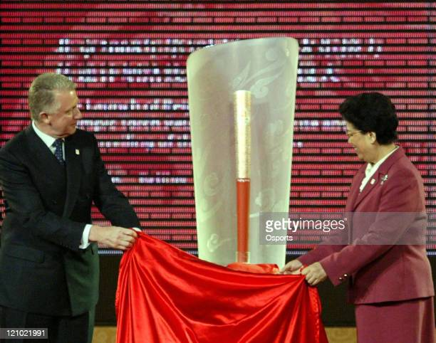 International Olympic Committee Coordination Commission Chairman Hein Verbruggen and Chinese State Councillor Chen Zhili unveil the Beijing Olympic...