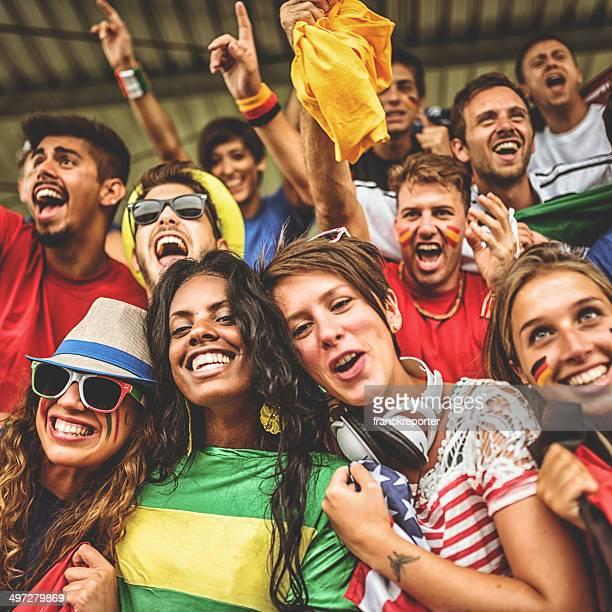 Seguidores en el estadio internacional