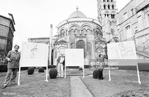 Internatonal Festival Of Comic Strip Angouleme Angoulême 28 Janvier 1974 Lors du festival de la bande dessinée dans un jardin attenant à la...