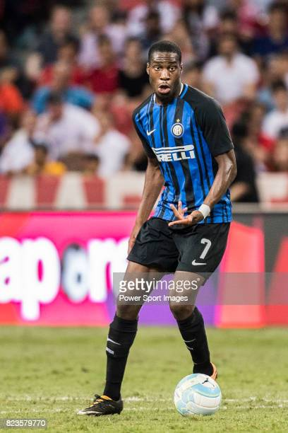 Internazionale Midfielder Geoffrey Kondogbia in action during the International Champions Cup match between FC Bayern and FC Internazionale at...