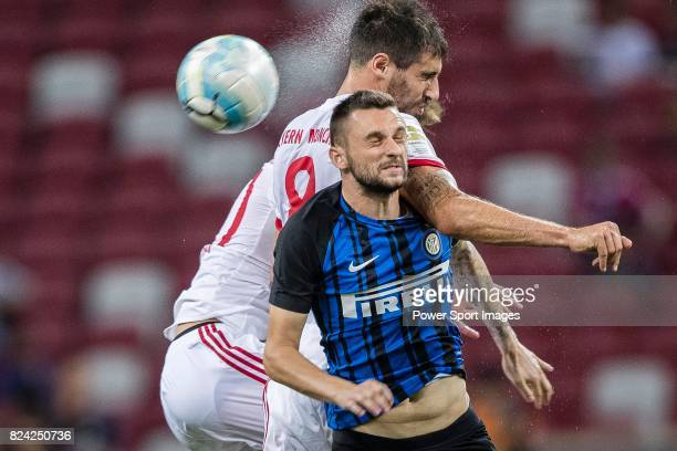 Internazionale Midfielder Marcelo Brozovic fights for the ball with Bayern Munich Midfielder Javi Martinez during the International Champions Cup...