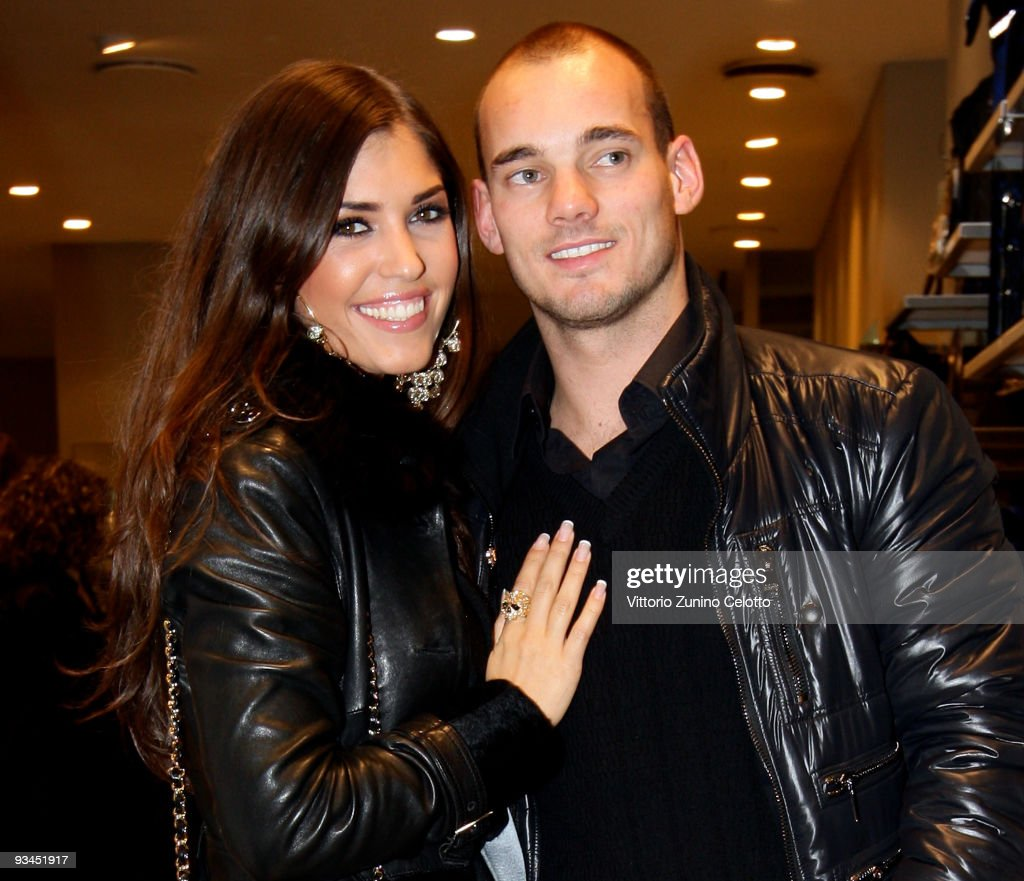 FC Internazionale Milan midfielder Wesley Sneijder (R) and his girlfriend Yolanthe Cabau Van Kasbergen attend the FC Internazionale Milan Cocktail Party on November 27, 2009 in Milan, Italy.