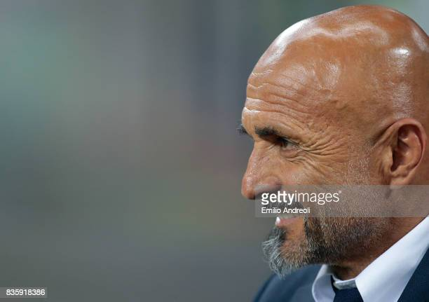 Internazionale Milano coach Luciano Spalletti looks on before the Serie A match between FC Internazionale and ACF Fiorentina at Stadio Giuseppe...
