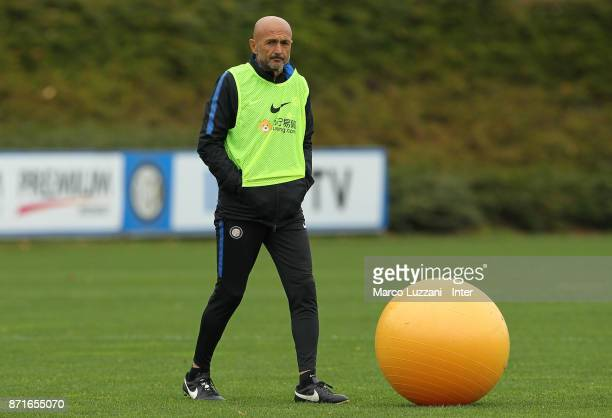 Internazionale Milano coach Luciano Spalletti looks on during the FC Internazionale training session at the club's training ground 'La Pinetina' on...