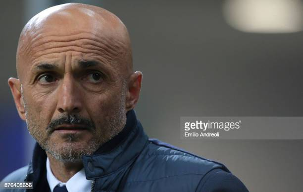 Internazionale Milano coach Luciano Spalletti looks on prior to the Serie A match between FC Internazionale and Atalanta BC at Stadio Giuseppe Meazza...