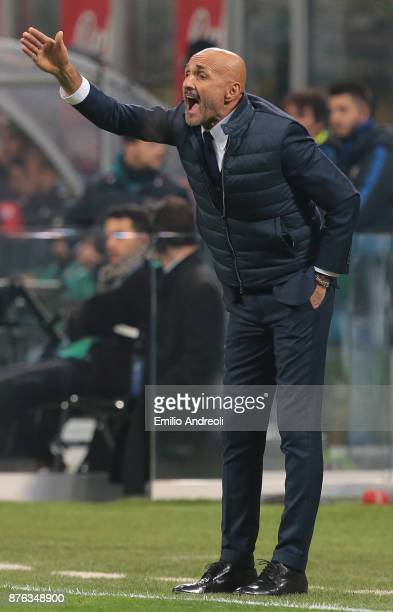 Internazionale Milano coach Luciano Spalletti shouts to his players during the Serie A match between FC Internazionale and Atalanta BC at Stadio...