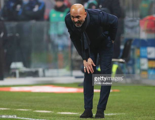 Internazionale Milano coach Luciano Spalletti shouts to his players during the TIM Cup match between FC Internazionale and Pordenone at Stadio...
