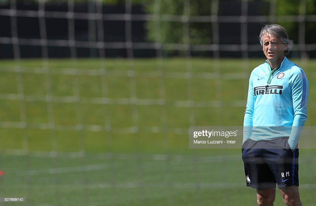 FC Internazionale Milano coach Roberto Mancini looks on during the FC Internazionale training session at the club's training ground 'La Pinetina' on May 3, 2016 in Como, Italy.