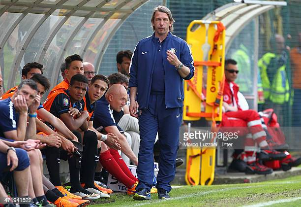 Internazionale Milano coach Stefano Vecchi issues instructions to his players during the juvenile match between FC Internazionale and Pescara Calcio...