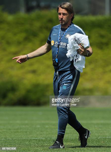 Internazionale Milano coach Stefano Vecchi issues instructions to his players during the FC Internazionale training session at the club's training...