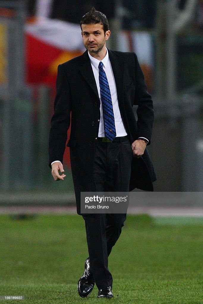 FC Internazionale Milano head coach <a gi-track='captionPersonalityLinkClicked' href=/galleries/search?phrase=Andrea+Stramaccioni&family=editorial&specificpeople=9070912 ng-click='$event.stopPropagation()'>Andrea Stramaccioni</a> looks on during the Serie A match between AS Roma and FC Internazionale Milano at Stadio Olimpico on January 20, 2013 in Rome, Italy.