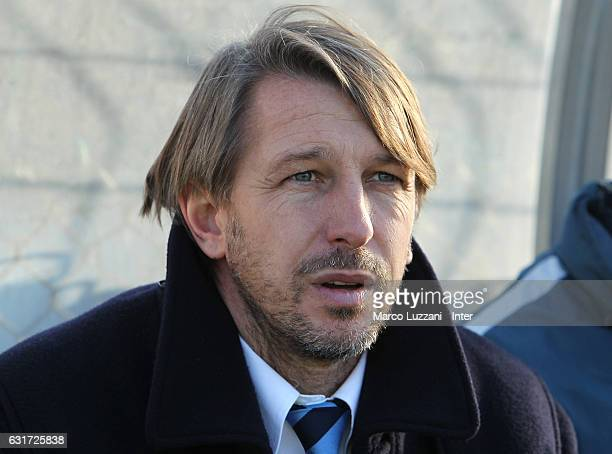 Internazionale Milano Juvenile coach Stefano Vecchi looks on before the Primavera Tim juvenile match between FC Internazionale and Genoa CFC at...