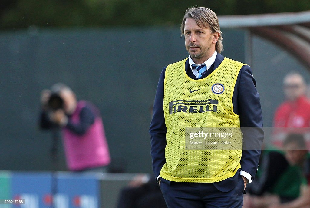 FC Internazionale Milano Juvenile coach Stefano Vecchi looks on during the juvenile match between AC Milan and FC Internazionale at Centro Sportivo Giuriati on April 29, 2016 in Milan, Italy.