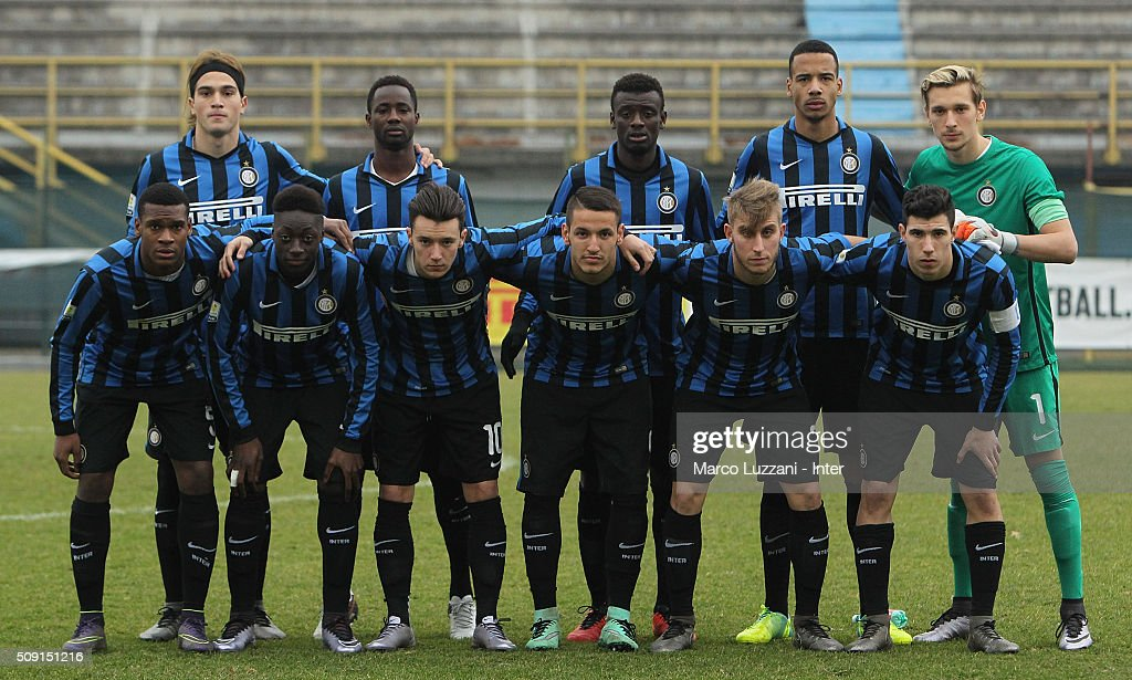 FC Internazionale Milano Juvenile team line up before the juvenile TIM cup match between FC Internazionale and SS Lazio at Stadio Breda on February 9, 2016 in Sesto San Giovanni, Italy.