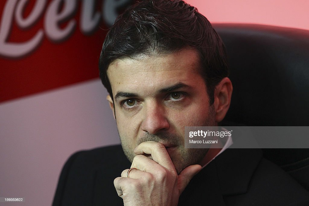 FC Internazionale Milano manager <a gi-track='captionPersonalityLinkClicked' href=/galleries/search?phrase=Andrea+Stramaccioni&family=editorial&specificpeople=9070912 ng-click='$event.stopPropagation()'>Andrea Stramaccioni</a> looks on before the Serie A match between FC Internazionale Milano and Pescara at San Siro Stadium on January 12, 2013 in Milan, Italy.