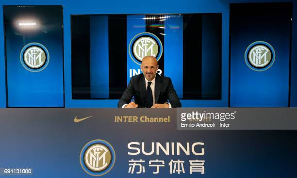 Internazionale Milano new coach Luciano Spalletti signing his contract at the Suning Training Center in memory of Angelo Moratti on June 9 2017 in...