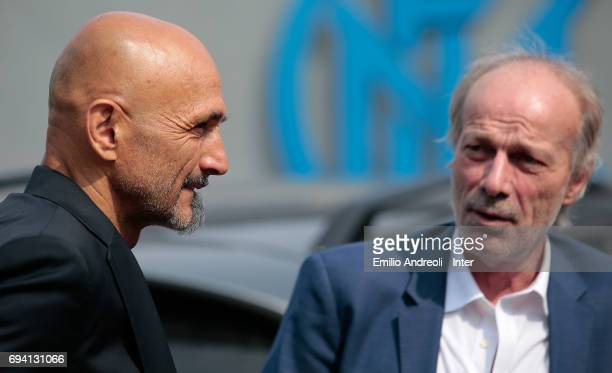 Internazionale Milano new coach Luciano Spalletti speaks to Suning Sports Technical Director Walter Sabatini at the club's training ground Suning...