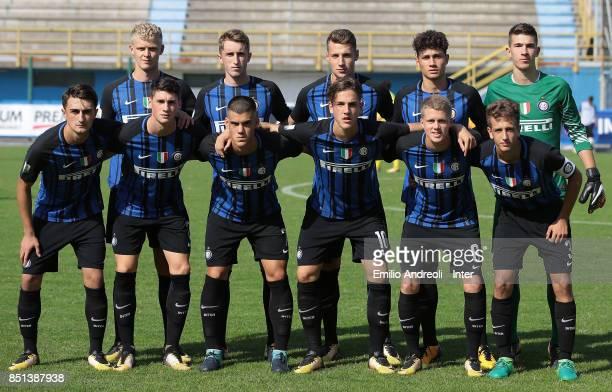 Internazionale Milano team line up before the Serie A Primavera match between FC Internazionale U19 and Chievo Verona U19 at Stadio Breda on...