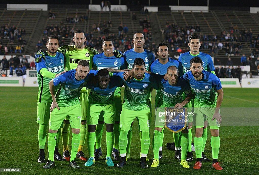 FC Internazionale pose for a photo during the friendly match at Estadio Municipal de La Linea de la Conception on January 3, 2017 in Cadiz, Spain.