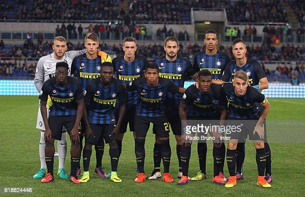 Internazionale team pose during the Primavera Supercup final match between AS Roma and FC Internazionale at Olimpico Stadium on October 28 2016 in...