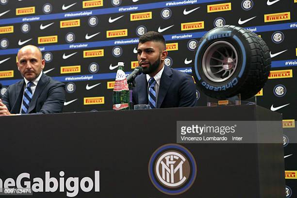 Internazionale Unveils new signing Gabriel Barbosa Piero Ausilio and Gabriel Barbosa during a press conference on September 22 2016 in Milan Italy